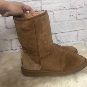 Minnetonka Boots Size 9